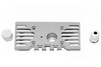 Außenansicht Endkappe für Aluminiumprofil SVETOCH STRADA mit Kabelführung PG7 und Druckausgleichstopfen