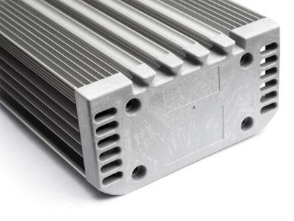 Anwendungsbeispiel Endkappe SVETOCH UNIVERS an Aluminiumprofil